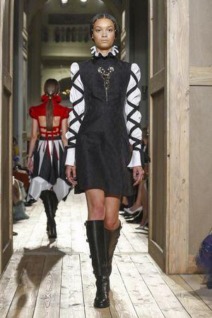 Valentino Couture Fall Winter 2016 Paris