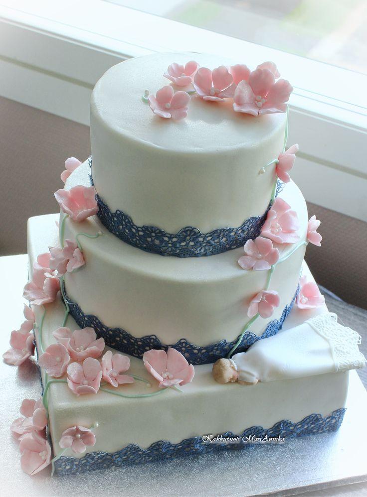 Hääkakku suomalais-kreikkalaisin värein  Wedding Cake with Finnish - Greek colours