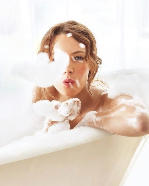Life's simple pleasures | 1000 reasons to be happy and love life | Relaxing in the bath and covering yourself in foam bubbles |