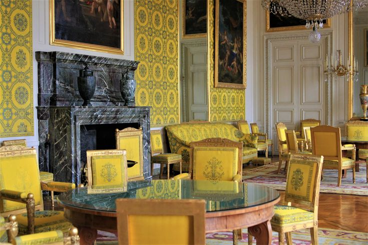What to visit in Versailles? The Small Trianon!