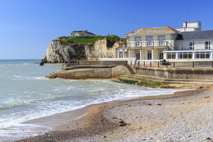 There is no better place to have a swim. | 34 Photos That Prove The Isle Of Wight Is The Most Wonderful Place On Earth