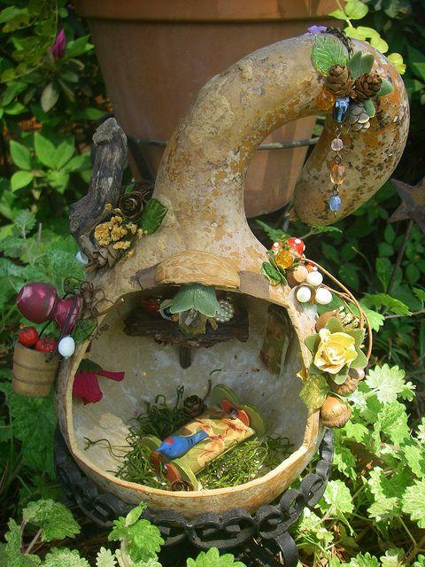fairy house in a gourd: Gardens Ideas, Fairy Houses, Fairies Gardens, Minis Gardens, Fairies House, Plays Spaces, Gourds Fairies, Gourds House, Miniatures Gardens
