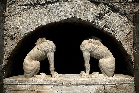 Archaeo-Politics in Macedonia (Y. Hamilakis)