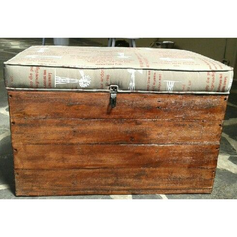 Storage Box Varnished with Cushion