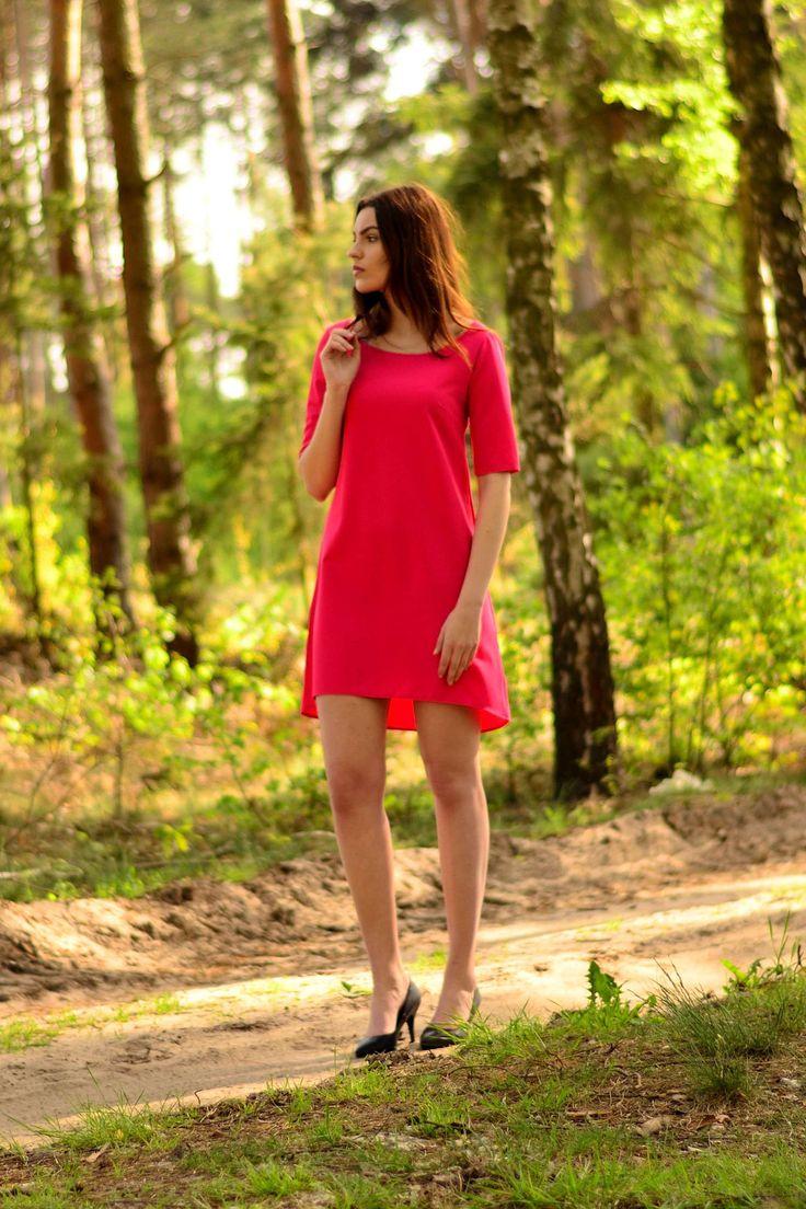 Beautiful dress. Photo session for the shop Besima.pl Piękna sukienka asymetryczna różowa w sesji zdjęciowej Besima.pl besima.pl