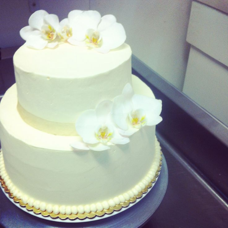 Beautiful Wedding Cakes By The Baking Grounds Bakery Café: 17 Best Images About Fleur De Lis Bakery & Cafe Pastries