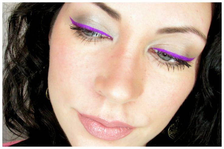 Yo lo probé : neon eyeliner tono violet de Stargazer