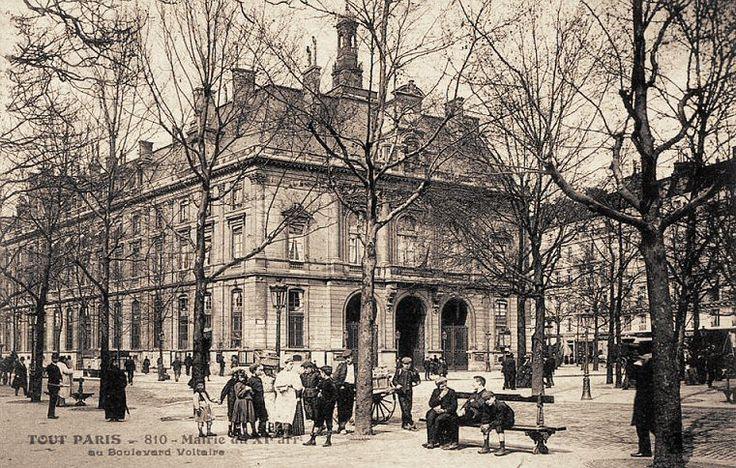 Autre vue de la Mairie du 11ème arrondissement, boulevard Voltaire, vers 1900.