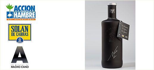 Agua Solán de Cabras, edición especial limitada de Nacho Cano    Una edición especial limitada de la emblemática botella de vidrio, icono de Solán de Cabras, diseñada y firmada por Nacho Cano estará a la venta a partir de hoy en el Teatro Häagen Dazs de Madrid y puntos de venta especializados.    http://www.sibaritissimo.com/agua-solan-de-cabras-edicion-especial-limitada-de-nacho-cano/    #lujo #bebidas #premium
