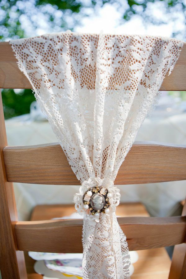 Decorate plain chairs with pretty lace details for easy, romantic decor! #laceweddings: Vintage Wedding Chairs, Vintage Decor Wedding, Lace Chairs Sash, Chairs Decor, Vintage Brooches, Sweets Photography, Simply Sweets, Chairs Back, Chairs Covers