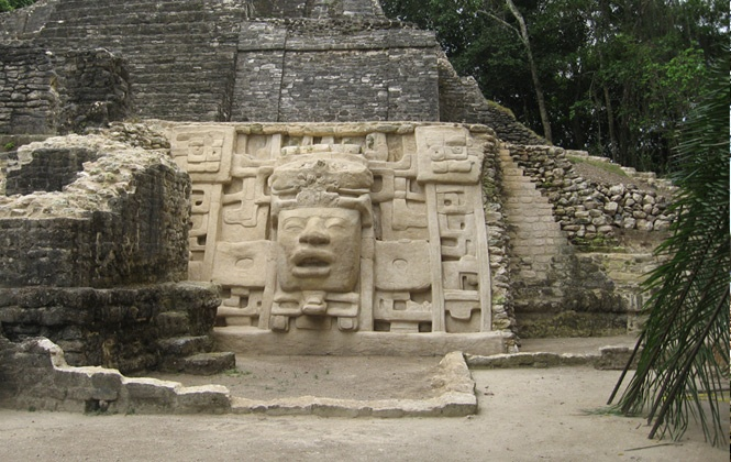 A major attraction of #Lamanai is the well-preserved mask of a #Maya ruler emerging from a crocodile headdress. #belize