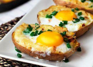 Papas rellenas con huevo y tocino, Recetas para Desayunos, Recetas Fáciles de Cocina, #recetas #recetasfaciles #recetasdecocina #recetasgratis