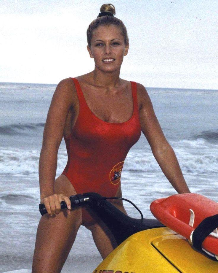 Nicole Eggert in BAYWATCH