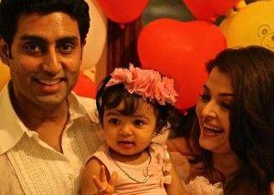 #AishwaryaRaiBachchan and #AbhishekBachchan with daughter #Aaradhya