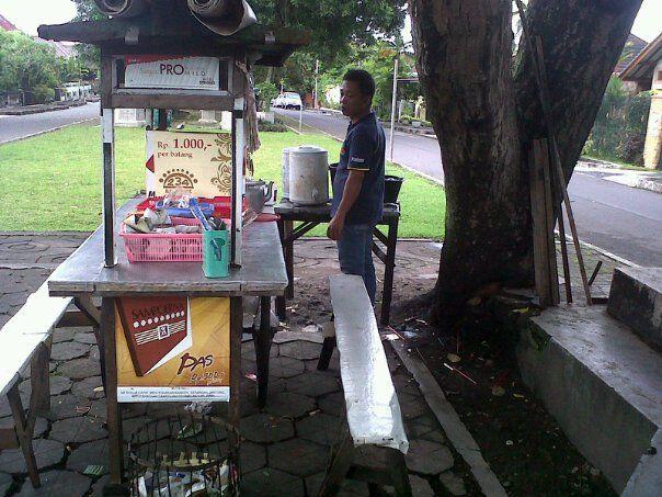 Angkringan Gepeng di jalan Kantil Baciro Jogjakarta