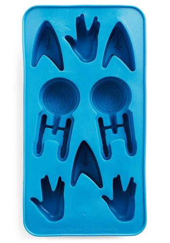 Beam up some cocktails for these rad ice cubes!