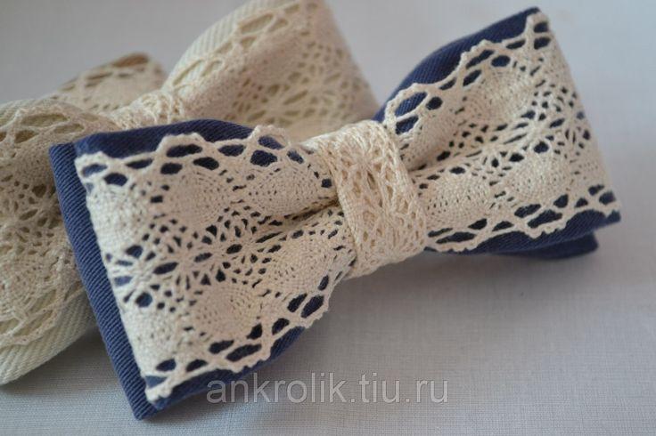 Галстук - бабочка Голубой с кружевом