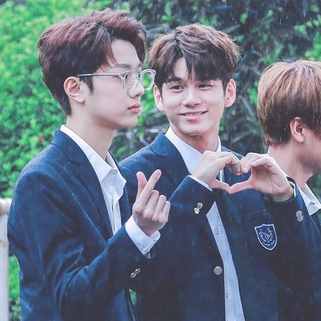 """""""You stole my heart, but i'll let you keep it"""" ♡WannaOne♡guanlin sungwoo"""