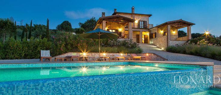 Elegant Luxury Villa with Pool in Umbria | Lionard
