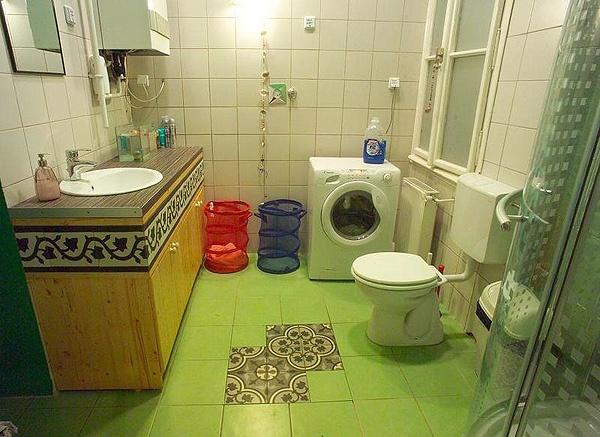 bathroom 2 with MOZA again :)