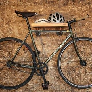 Support à vélo Owen bike rack, check out the great furniture made with wood and pipes!