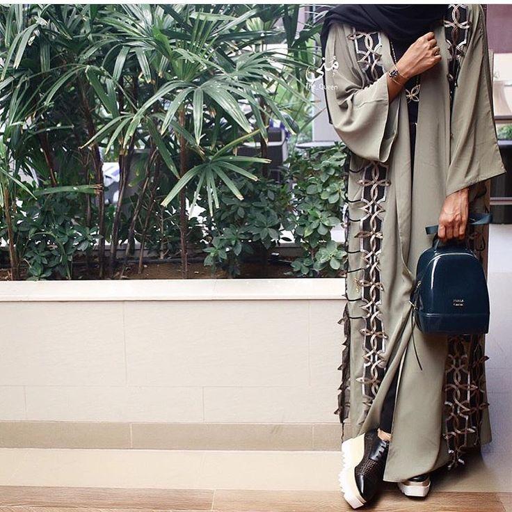 IG: The.Queen.Of.Oman || IG: Beautiifulinblack || Modern Abaya Fashion ||