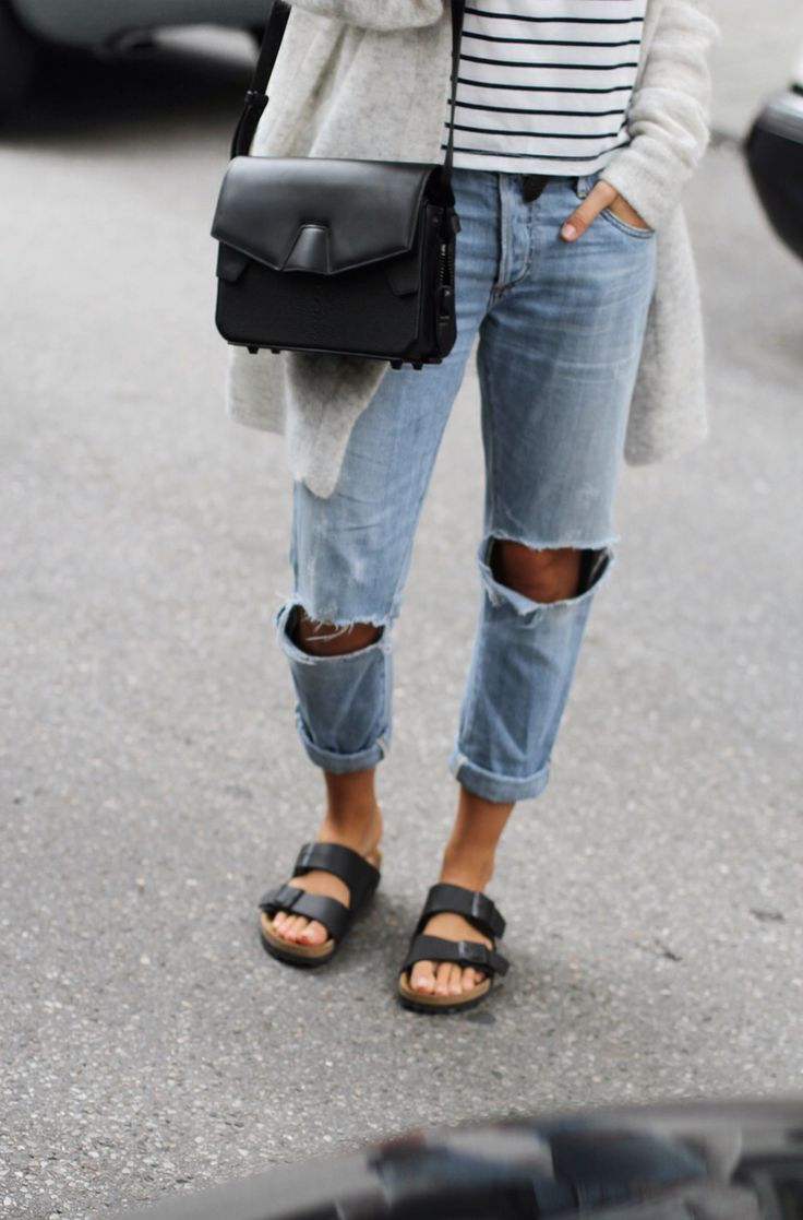 Ripped jeans and birkenstocks. ❤️