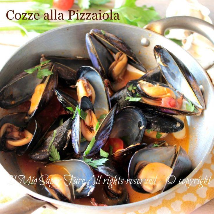Cozze alla pizzaiola ricetta facile e veloce.Secondo piatto di pesce o antipasto sfizioso molto prelibato. Rappresenta anche un ottimo condimento per pasta