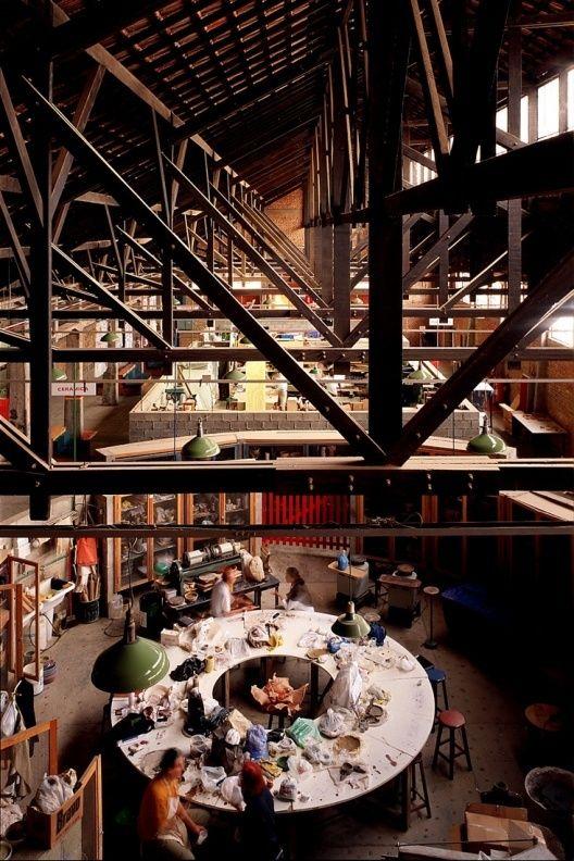 Numa velha fábrica de tambores - SESC-Pompeia | Arq. Lina Bo Bardi | São Paulo | Foto Nelson Kon