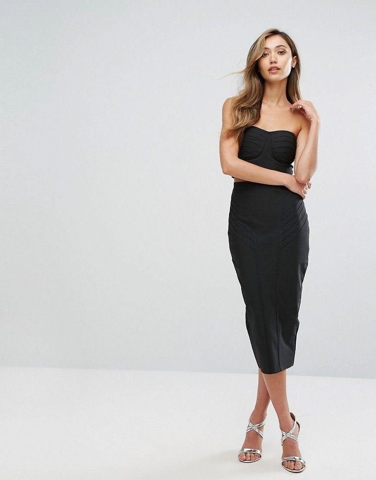 Get this Amy Lynn Occasion's knee skirt now! Click for more details. Worldwide shipping. Amy Lynn Occasion Bandage Bandeau Midi Skirt And Crop Top Co-Ord - Black: Co-ord set by Amy Lynn, Includes two items, Lightweight woven fabric, Bandage-style design, Bandeau cut, Zip-back fastening, Matching midi skirt, High-rise waist, Zip-back fastening, Close-cut bodycon fit, Machine wash, 90% Polyester, 10% Elastane, Our model wears a UK 8/EU 36/US 4 and is 173cm/5'8 tall. (falda por la rodilla…