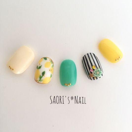 Resale 6! [Postage] lemon × stripe ♡ nail chip