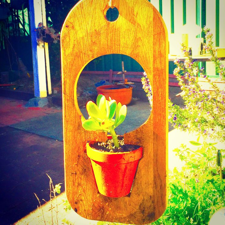 Hanging Planter made from an old Cutting Board