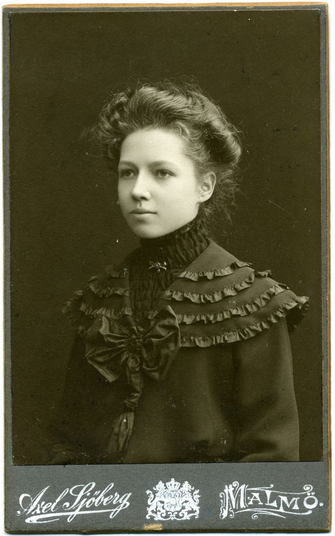 CDV Porträt einer jungen Frau – Schweden – 1904