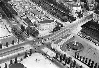 Berlin Messegelände 1952 Blick vom Funkturm auf die Kreuzung Masurenallee/Ecke Messedamm rechts im Bild die Neue Kantstrasse u.der S-Bahnhof Witzleben