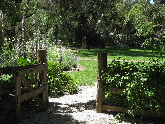 The Kitchen Garden Gate Emu Bottom Homestead - Sunbury