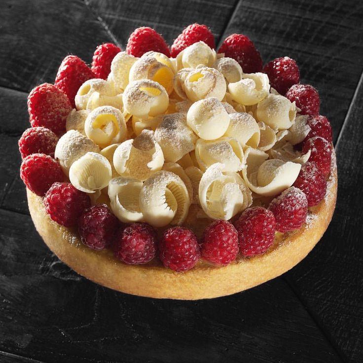 362 mentions J'aime, 8 commentaires – Gianluca Fusto (@gianlucafusto) sur Instagram : «Voglia di primavera i lamponi tra poco arrivano! @brambillaserrani #fusto #fustomilano #crostate…»