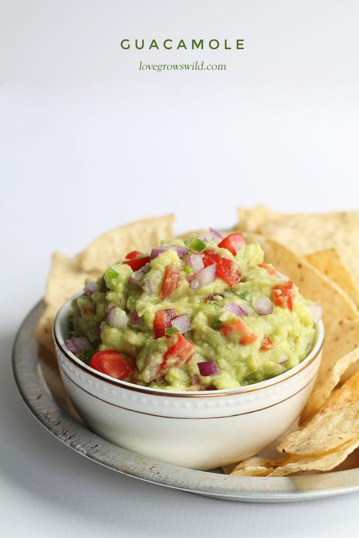 How to make the BEST guacamole! This fresh, healthy recipe is perfect for snacking or as a side with your favorite Mexican dishes!