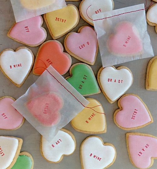 Sweet Heart Cookies // you know you follow people in the party industry when your feed is full of fun valentine's day ideas and it is still the week after Christmas. :)