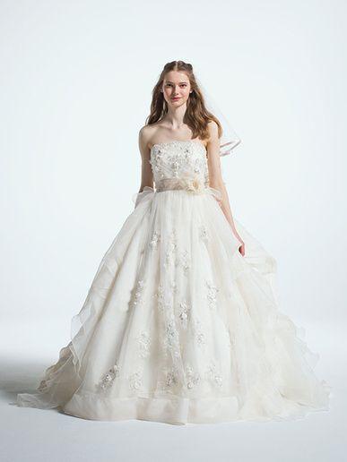 ジル スチュアート ウエディング(JILLSTUART WEDDING) ビスチェとスカート部分に花のモチーフがちりばめられた、フェアリーなボリュームドレス。