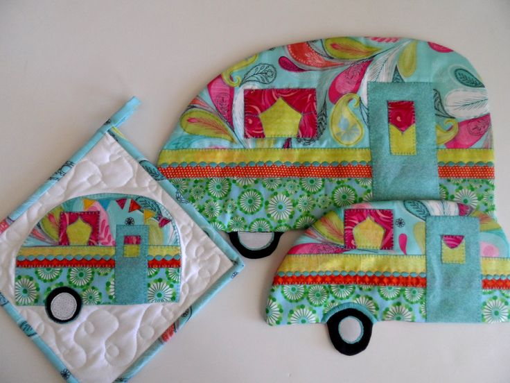 Vintage trailer kitchen set of 3, hot pad, pot holder, table topper, retro camper, RV, camper decor, glamping, camping, aqua, pink, yellow by SusansPassion on Etsy x