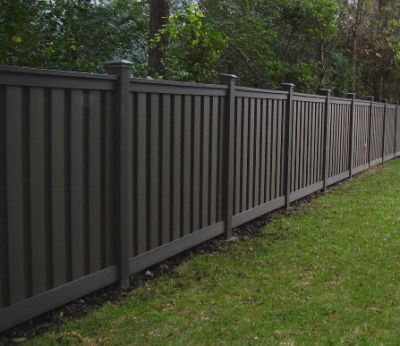 Nice simple wood fence, like the dark colour