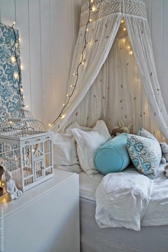 WOW!! - IMAGINE DOING THIS TO A LITTLE GIRLS ROOM!! - SHE WOULD NEVER MAKE A FUSS ABOUT GOING TO BED!! - (it is exactly that which dreams are made of!!) - BEAUTIFUL!!