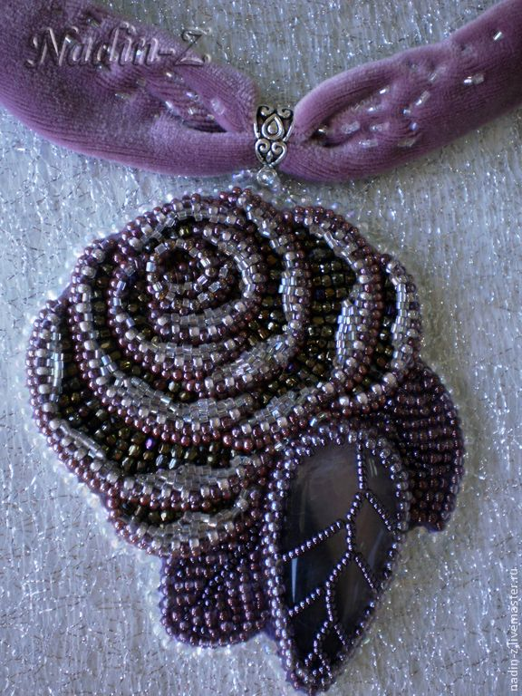 Dusty Rose - сиреневый,роза,бархатная лента,бисер,флюорит,японский бисер ТОНО