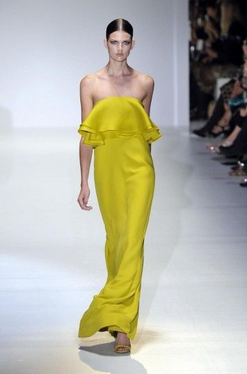 Gucci, abito lungo giallo