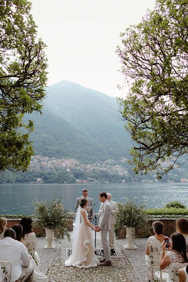 Understated-Italian-Wedding-at-Villa-Regina-Teodolinda-Cinzia-Bruschini-20