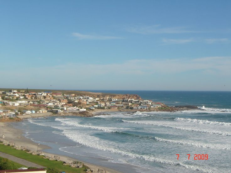 The most beautiful holiday resort situated on the West Coast of RSA, 350 km north of Cape Town near the Olifantsrivermouth and in the middle of the Wild Flower and Olifantsriver wine Regine.