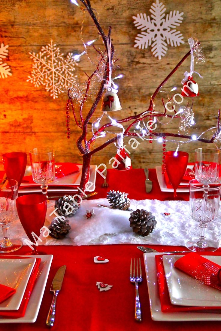 Best 25 deco de table noel ideas on pinterest table for Table noel rouge et blanc