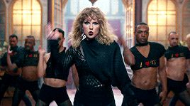 Taylor Swift can dance! I knew it!