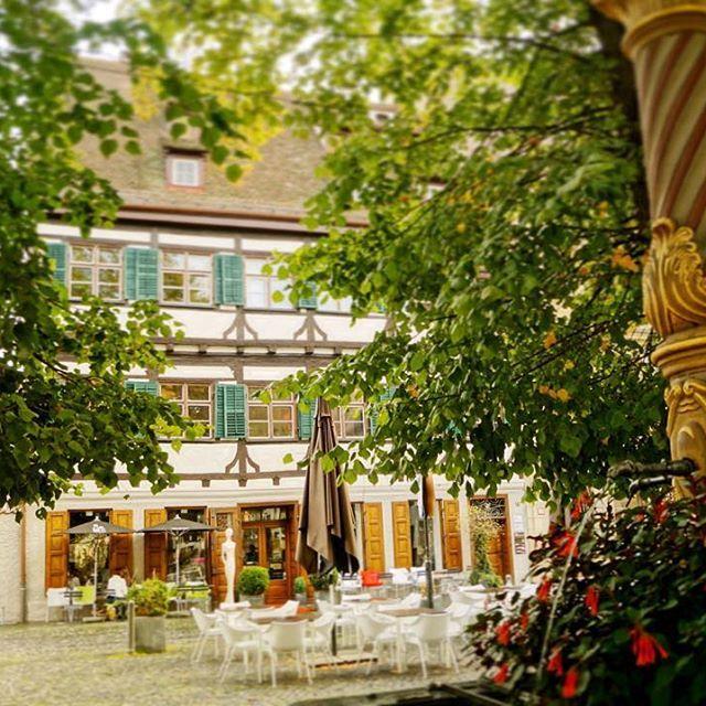 One more photo from wonderful Judenhof  #ulm #judenhof #herbst #herbst2015 #herbstlich #schoenentag #feierabend #happyfirstdayoffall #firstdayoffall #architecture #fallishere #street #streetgram #passionpassport #germany #deutschland #igersulm_official