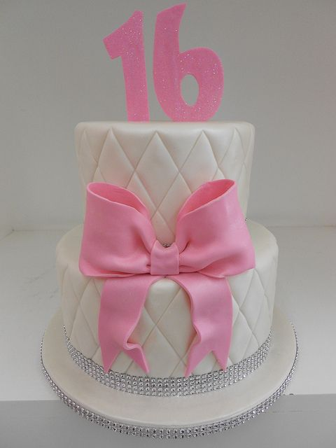 Pink quilted sweet 16 cake